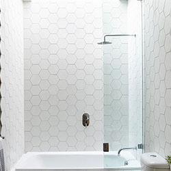 Вечният въпрос: вана или душ за банята ни?