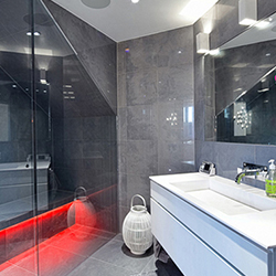 Футуристична баня