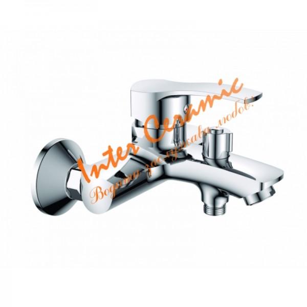 Стенен месингов смесител за душ/вана Quadrat
