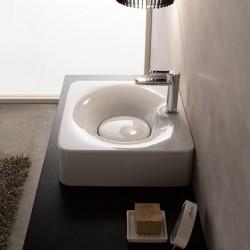 Мивка за баня в компактен и стилен дизайн