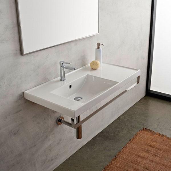 Голяма мивка за баня с плот от дясно