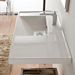 Голяма мивка за баня с плот от ляво