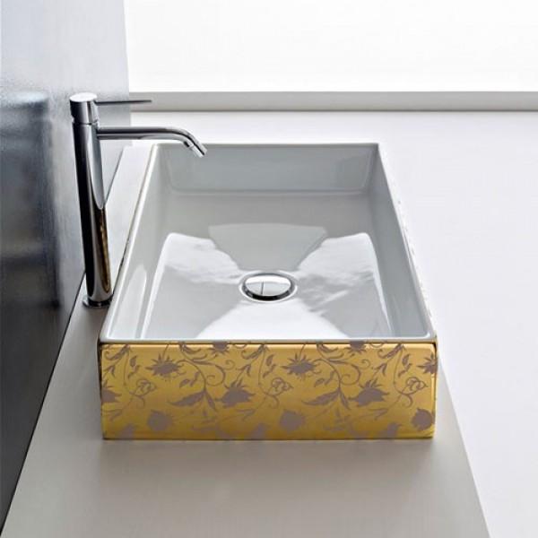 Мивка за баня с декор цветя на златен фон