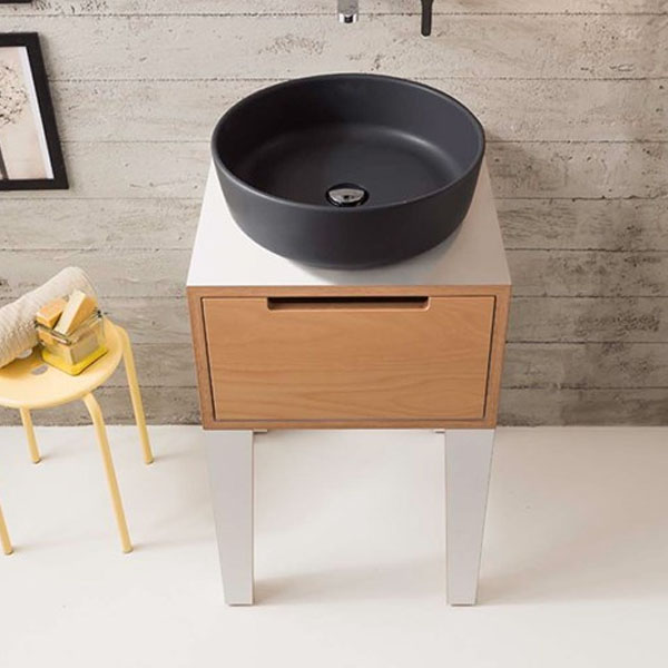 Луксозен дизайнерски шкаф - стоящ модел
