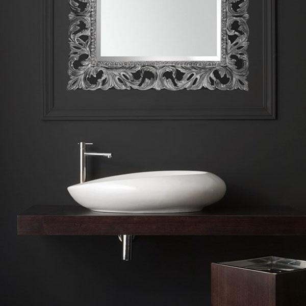 Голяма овална мивка за баня