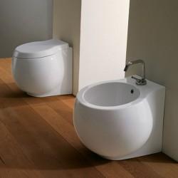 Стояща тоалетна чиния в овален дизайн