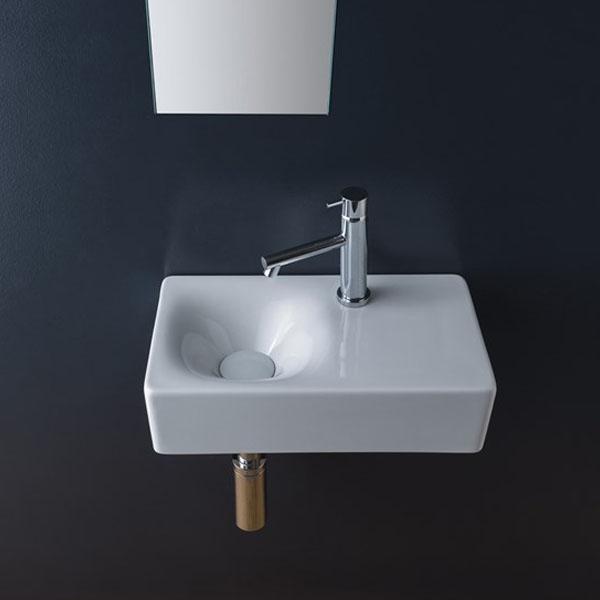 Красива мивка с централен отвор за смесител и плот