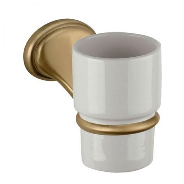 Керамична чаша за четка за зъби окачена на стена